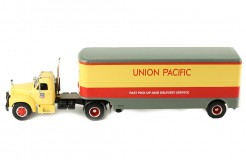 MACK B 61 (Union Pacific) 1955