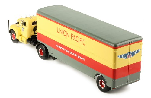 MACK B 61 (Union Pacific) 1955