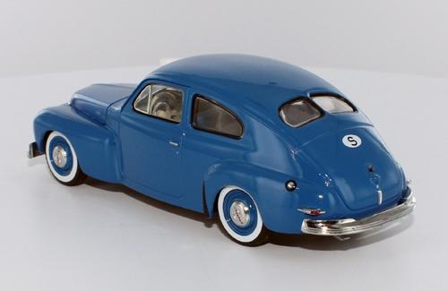 VOLVO PV444 - 1943 Blue