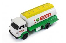 SAVIEM SM 8 - ( BP) Fuel Transporter 1974